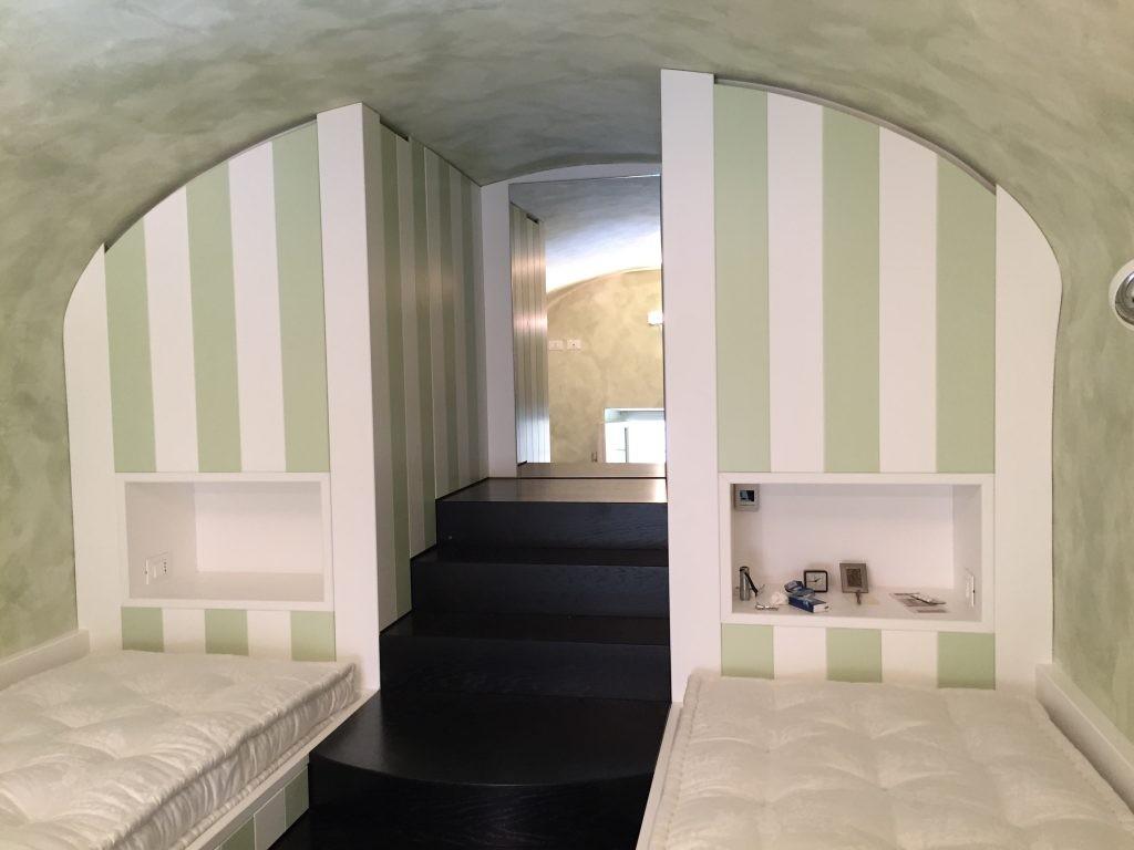 Mebeltec mobili per ristoranti | arredamento negozio ...